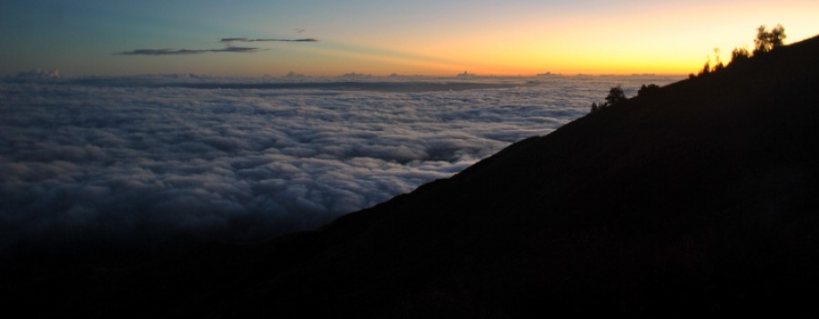 Mount Rinjani Trekking Summit 3 Days / 2 Nights  start Senaru
