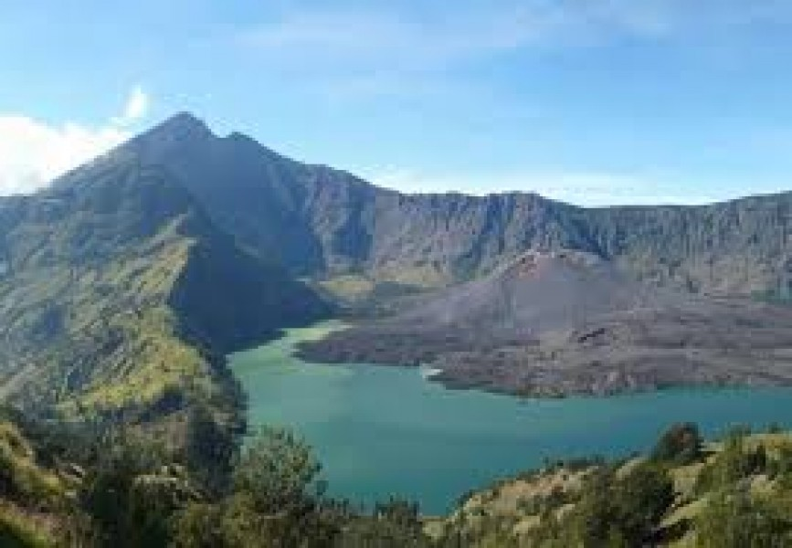 Mount Rinjani Night Trek 1 Night /1 Day Crater Rim